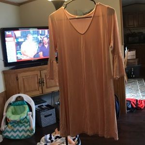 Dresses & Skirts - Blush bell sleeve dress
